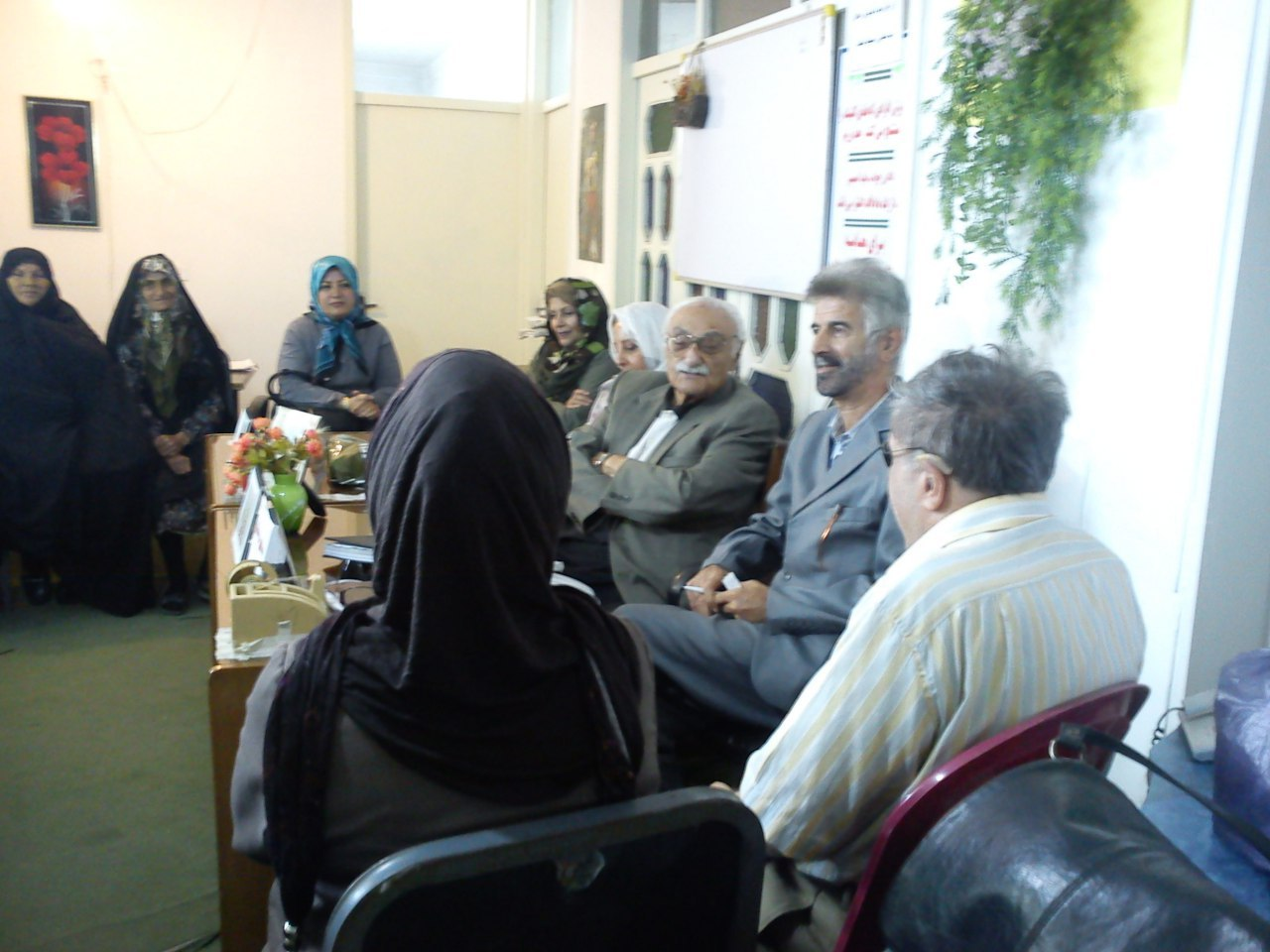 جلسه هیئت مدیره با آقای صمد مقیمی انسان خیر همراه با خانم دکتر نیرویی
