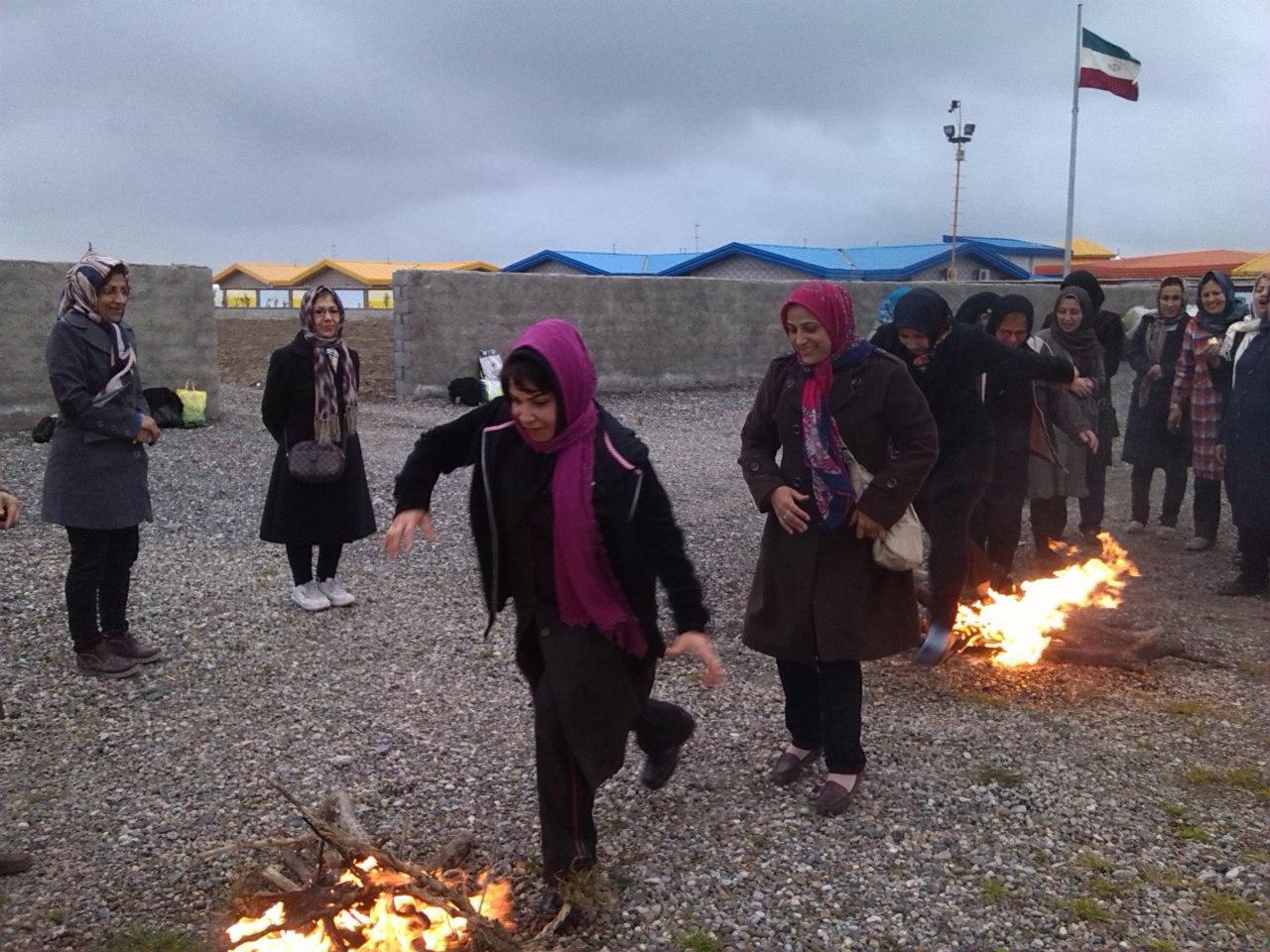چهارشنبه سوری 1393 در میرود مجتمع تفریحی نیکوکار بانو مرضیه بابایی