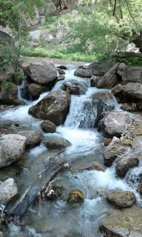 منطقه ییلاقی آبشار اخلمد در چناران مشهد