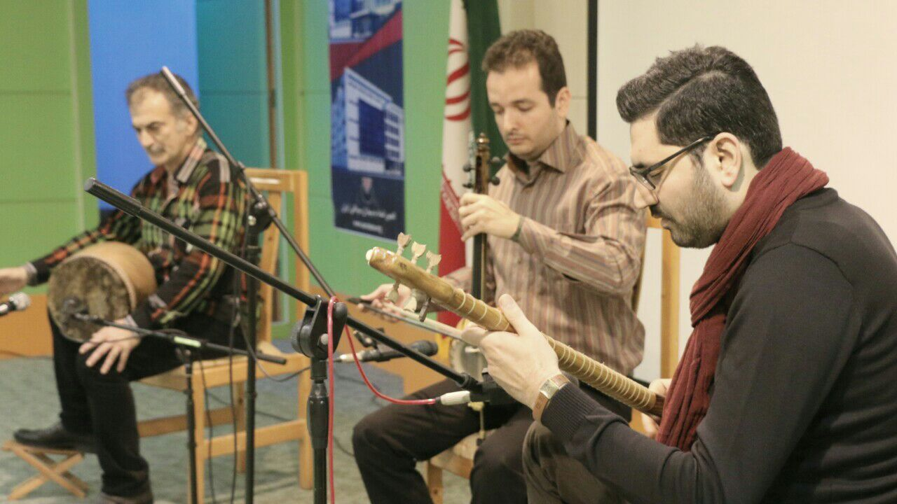 گروه موسیقی نهفت به سرپرستی هنرمند آزاد آسودگان