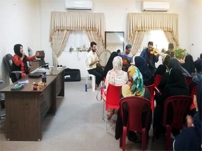 تابستان 1396 جلسه موسیقی درمانی با  نوازندگان آکادمی موسیقی روناک به سرپرستی آقای محمد محمدی