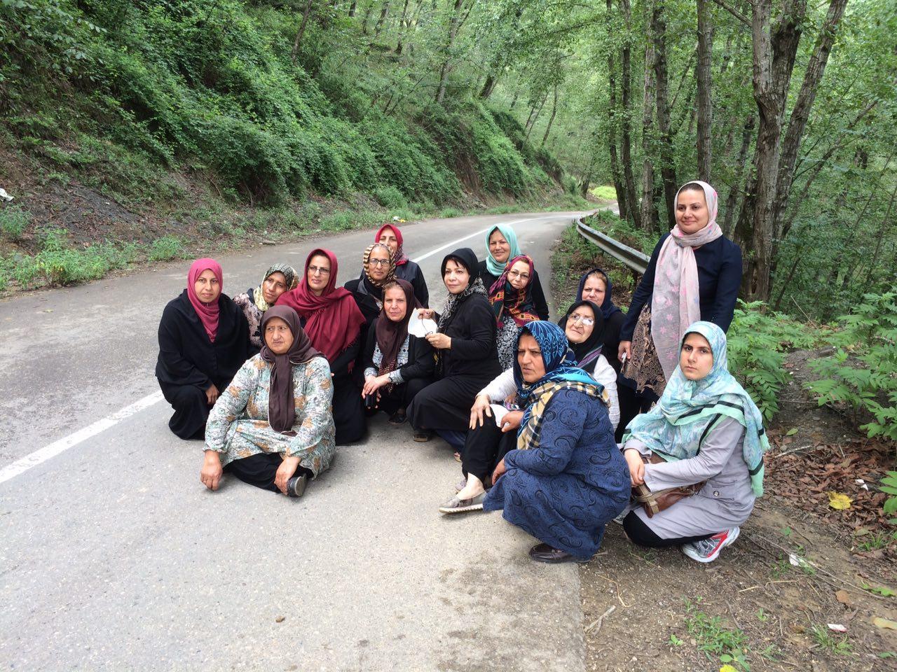 پیاده روی گروه درمانی در جاده های جنگلی مازندران منطقه لفور به شاهکلا