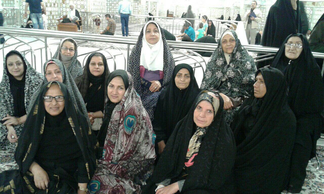 سفر زیارتی مشهد گروه درمانی در داخل حرم  بهار 1396